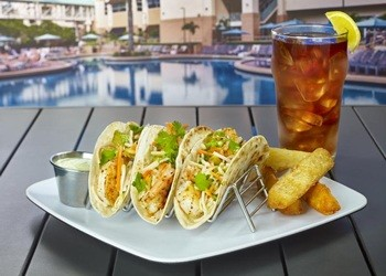 Rosen Plaza '39 Poolside Bar & Grill