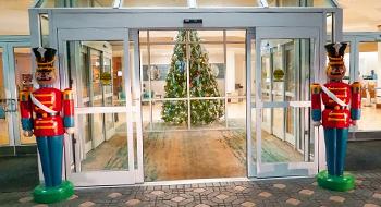 Rosen Plaza Hotel Orlando | Christmas Buffet on International Drive